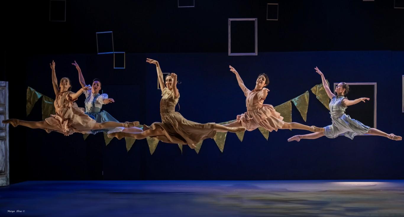 """Иерусалимский балет. """"Скрипач на крыше"""". Фото - © Майя Илтус"""
