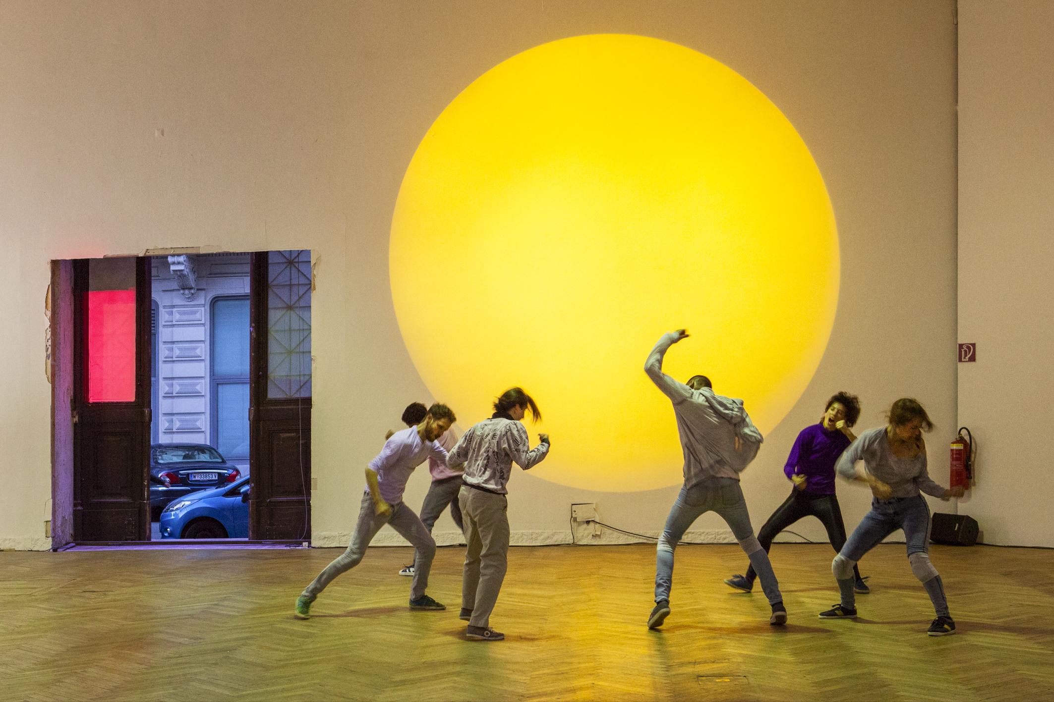 Сцена из балета Ясмин Годдер Climax. Фото: Нурит Вагнер-Штраус