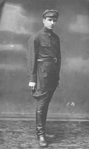 Капитан Николай Киселев - архивное фото